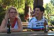 Markéta Pekarová Adamová (TOP09) v Osobě blízké: Na kole a s kamarádkou Petrou