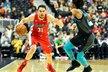 Český basketbalista Tomáš Satoranský z Washingtonu zazářil v utkání proti Charlotte, ve kterém nasázel 20 bodů