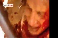 Dav lynčuje libyjského vůdce Muammara Kaddáfího