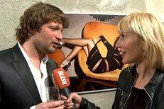 Na vernisáži Ondřeje Pýchy vyzpovídala Markéta celebrity, jaký mají vztah k focení