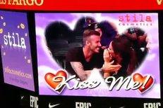Beckhamovi a jejich polibek