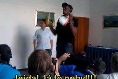 Usain Bolt na tiskové konferenci před Zlatou tretrou