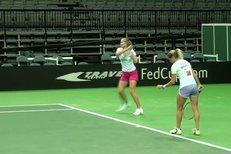 České tenistky trénují v pražské O2 Areně před finálovým duelem se Srbskem