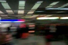 Fanoušci přichystali pro Baumrtovou krásné přivítání přímo na letišti.