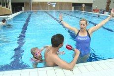 Tereza Mátlová dováděla s dcerou v aquaparku