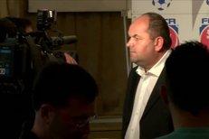 Miroslav Pelta na tiskové konferenci po zasedání VV