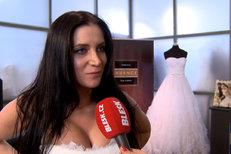 Snoubenka Jiřího Pomeje si zkoušela šaty na svatbu