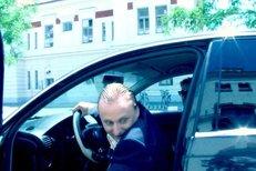 OPILÝ MOCÍ - díl třetí: Řídím... To bude jizda!