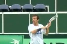 Djokovič kostí soupeře, ale Češi si ve finále Davis Cupu věří