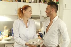 VIDEORECEPT: Štika Ornella peče cukroví pro Koktu!