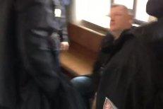 Kmotr Ivo Rittig s pouty na rukou: Sebrala ho policie!