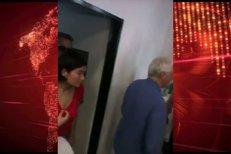 Richard Gere přicházína tiskovku