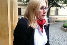 Ministryně Karla Šlechtová má sádru