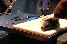 Jak vykuchat vánočního kapra? Přiučte se! Takhle to dělají rybáři!