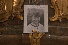 Mše za Tomáše Holého (†22): Vedl ji kněz, který ho i pohřbíval!