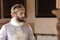Daniel Bambas jako Karel IV.! Nahradí Brodského v Noci na Karlštejně!