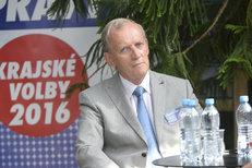 Alexander Černý z KSČM o své minulosti v totalitní armádě