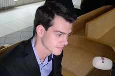 Před soudem seděli vedle obhájkyně Nikolas Agoratsios a Miroslav K.