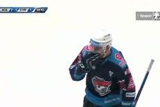 Karlovy Vary - Chomutov: Jan Rutta vstřelil gól na 2:1