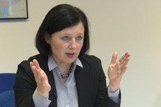 """""""Ženy se osvědčují jako verbířky nových teroristů,"""" říká eurokomisařka Jourová"""