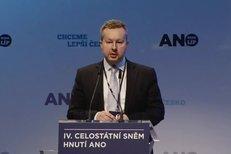 Ministr Brabec: 7 kilo navrch a ANO jako chyba v Matrixu