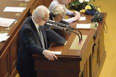 Faltýnek (ANO) četl ve Sněmovně Babišův vzkaz. Řešila se kauza korunových dluhopisů a Babišových daní