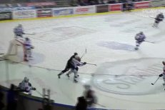 Kometa Brno - Liberec: To se povedlo! Erat si položil Lašáka a vstřelil gól, 4:2