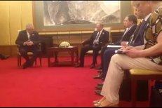 Prezident Zeman se v Číně setkal s Vladimirem Putinem