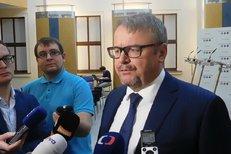 České plány na vysokorychlostní železnici dle ministra dopravy Dana Ťoka