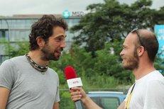 Auta na náplavce: Rozhovor s frontmanem kapely Jelen