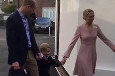 Princ George šel poprvé do školy! Bez maminky, jen s tátou Williamem a učitelkou