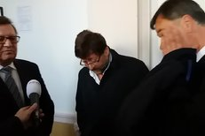 Sexuolog Petr Weiss u soudu kvůli tragické nehodě