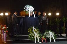 CELÝ ZÁZNAM: Emotivní pohřeb Jana Třísky (†80)! Těžké loučení plné hvězd!