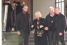 Tajný pohřeb Jana Třísky ve Strašnicích