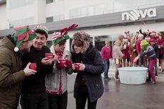 Vánoční klip televize Nova a skupiny Mirai je hitem internetu!