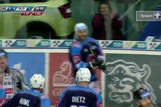 Chomutov - Olomouc: Gól do šatny vstřelil Michal Vondrka, 1:0
