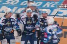 Kometa Brno - Chomutov: Je tu první gól zápasu, trefil se Zohorna, 1:0