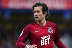 Když milujete fotbal, milujete Rosického. Kariéra české legendy v obrazech