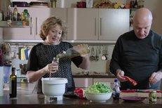 Kandidát na prezidenta Pavel Fischer s manželkou Klárou nechali nahlédnout do své kuchyně