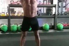 Karlos Vémola během tvrdého tréninku v Africe