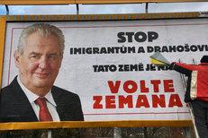 Igor Chaun vs. lepič plakátů Miloše Zemana