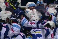 Sparta - Kometa Brno: Je rozhodnuto, Martin Nečas ukončil zápas, 3:4