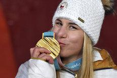 9. den na ZOH: Ledecké slalom snů, nájezdový hrdina Francouz a medailový hattrick Kuzminové