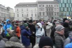 Pietní pochod studentů v Brně uctil v pátek v podvečer památku zavražděného slovenského novináře Jána Kuciaka a jeho přítelkyně Martiny Kušnírové