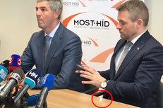 Slovenský premiér Pellegrini vysvětluje, co mu to vypadlo na tiskové konferenci z kapsy