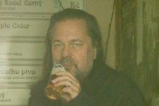 Pomeje o svém alkoholismu: Piju jako každej normální chlap!