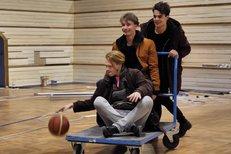 Jak se herci ze Zlatého podrazu připravovali na role basketbalistů? Piškula bojoval s kotníkem!