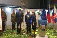 Michaela Šojdrová přišla s nápadem věnovat europarlamentu kříž. Kvůli byrokracii končil roky ve skříni