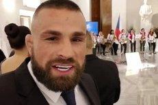 Karlos Vémola z Hradu: Kdo by to řekl, že díky MMA tady budeme pařit