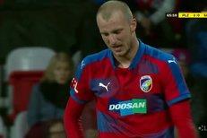 Plzeň - Slovácko: Osudový faul, který ukončil Krmenčíkovi sezonu